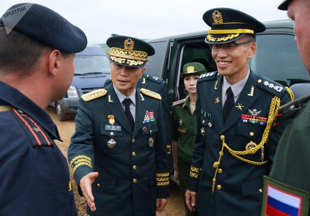 韓國軍事代表團訪問俄濱海邊疆區