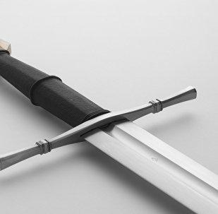 在挪威的湖中发现了一把有500年历史的剑