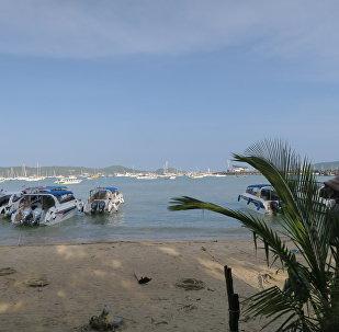 泰国游船倾覆事故中4名被认为失联的中国游客生还
