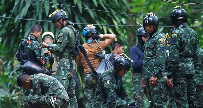 马斯科愿意帮助泰国救援遇险的少年足球队员