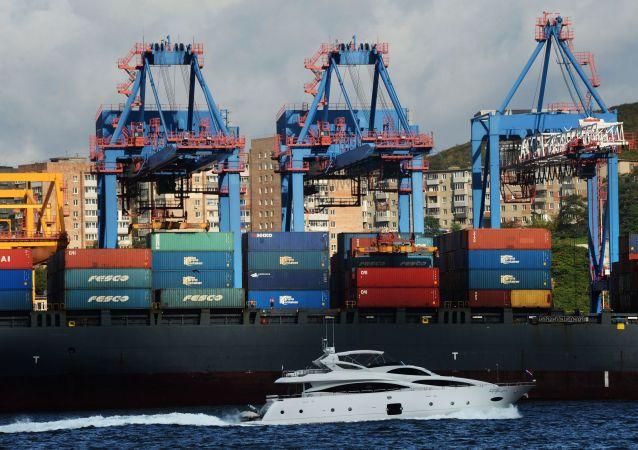 俄海關局:今年前十個月俄中貿易額增長28.2% 達884億美元