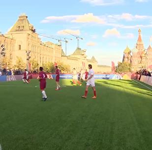 卡塔尔和俄罗斯在红场举行友谊赛