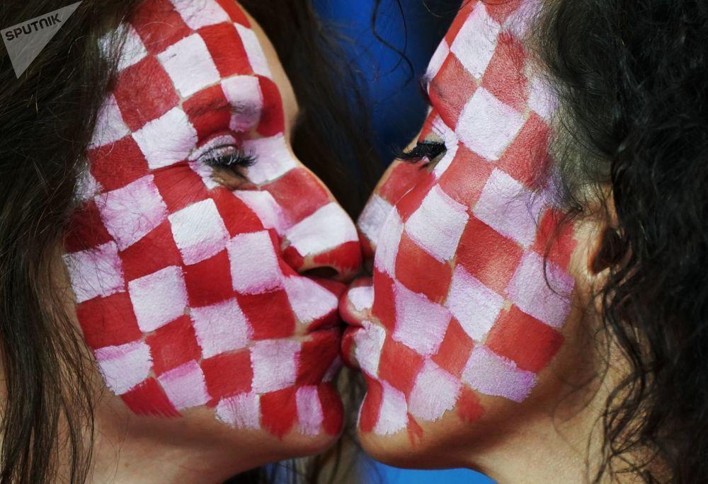在冰島和克羅地亞進行的小組賽上的克羅地亞球迷。