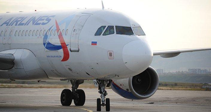 俄乌拉尔航空一架A321客机疑有炸弹 迫降巴库