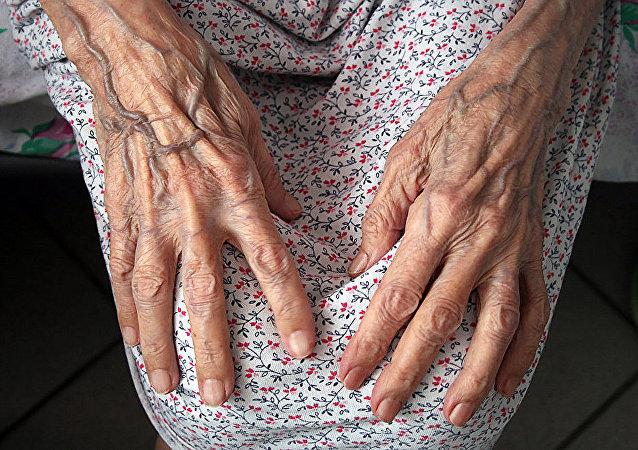 英國百歲老人公佈其長壽的主要秘訣