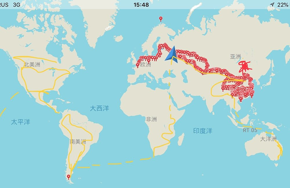 世界地图:标示的红色部分是陈喆已经去过的地方,黄色是他准备在最近5年中骑行的路线