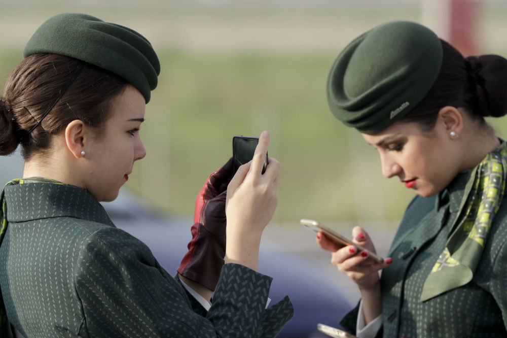 离开陆地的女孩:全球美女空姐
