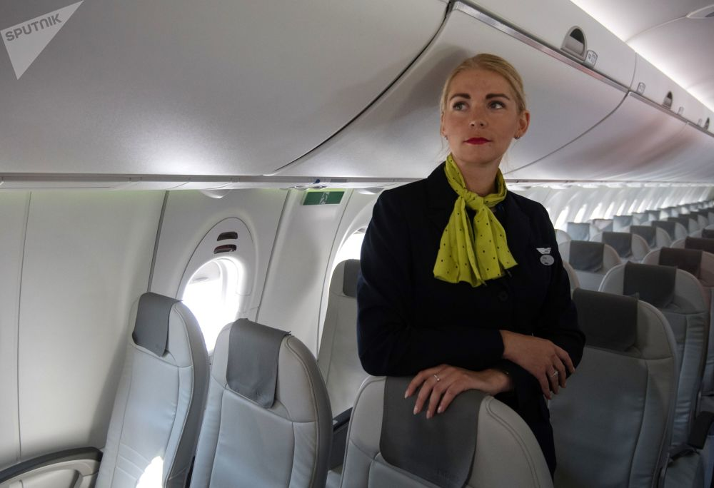 離開陸地的女孩:全球美女空姐