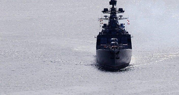 俄太平洋艦隊和日海上自衛隊艦艇進行聯合搜救演習