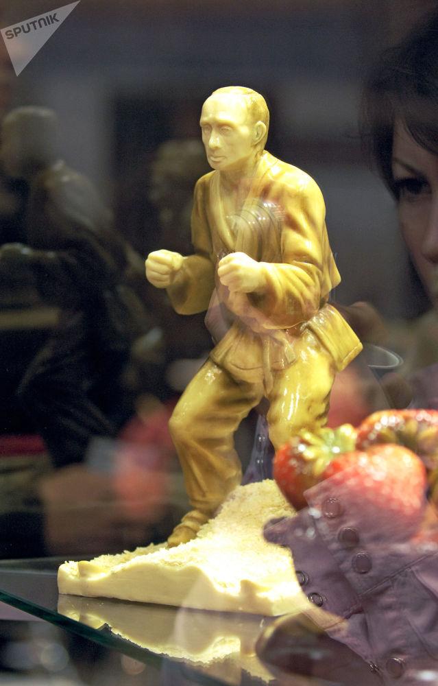 名人巧克力雕塑