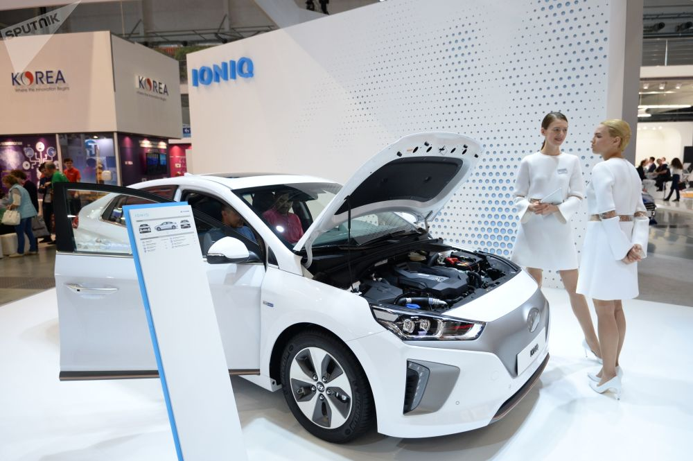 现代汽车公司推出Ioniq新型电动车