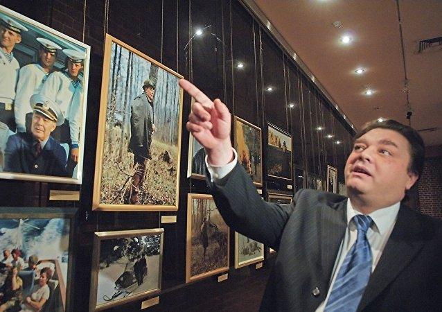 苏联领导人勃列日涅夫之孙因梗塞去世