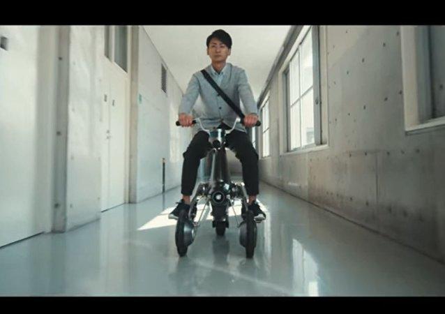日本工程师研发出可自动行驶摩托车