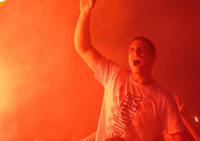 克罗地亚首都萨格勒布狂欢庆祝战胜英格兰队