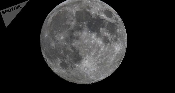 华媒:嫦娥四号证实月球背面幔源物质为橄榄石低钙辉石