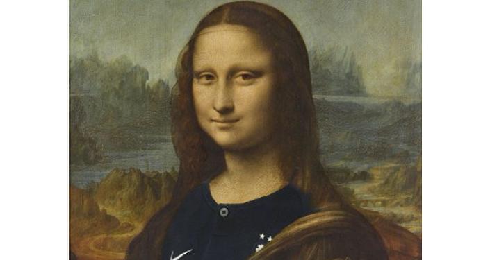 """卢浮宫为庆祝法国队夺冠给蒙娜丽莎""""换装"""""""