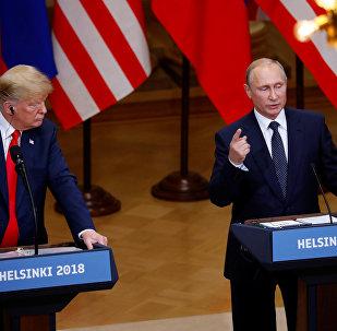媒体:普京在赫尔辛基提议特朗普商定军备控制问题