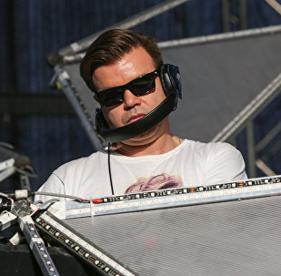 俄罗斯世界杯太棒了!:英国DJ制作人谈世界杯和西方媒体的谎言