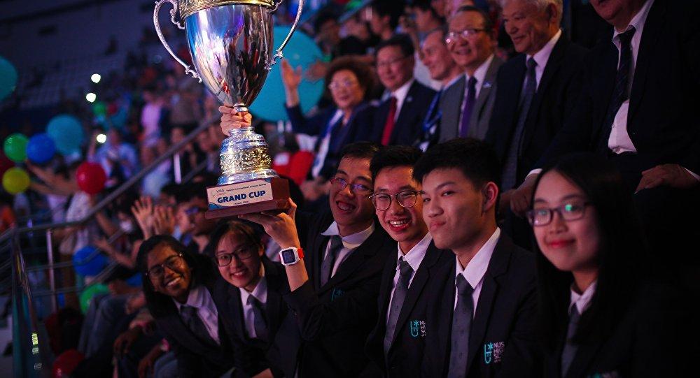 新加坡隊在雅庫特國際智力競賽中奪冠
