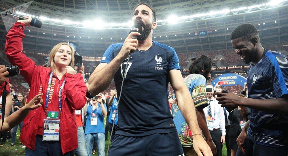 法国足球队后卫阿迪尔·拉米(Adil Rami)