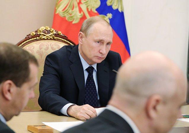 普京:俄航天集團應在太空探索領域取得突破性成果