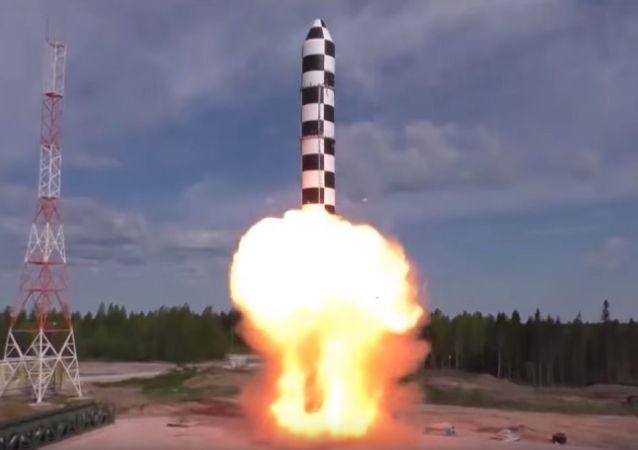 """普京:""""萨尔马特""""导弹的试验测试工作已经进入尾声"""