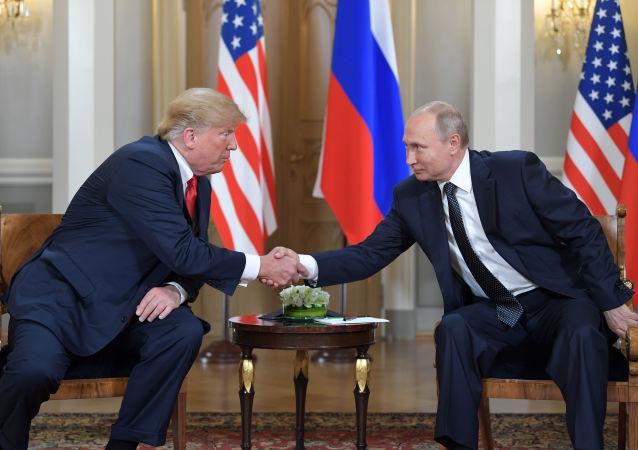 特朗普否认与普京首次会面时准备不足