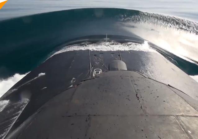 俄太平洋舰队在鄂霍次克海发射巡航导弹