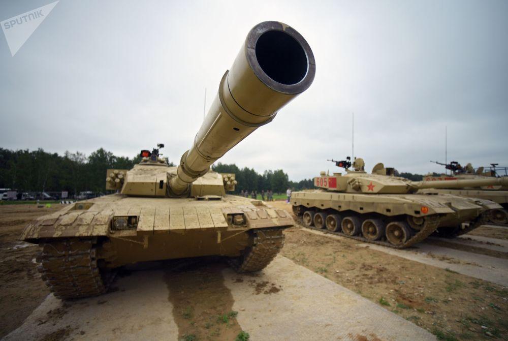 """备战""""坦克两项-2018"""""""