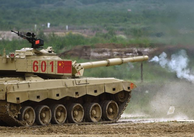 Танк Type 96 армии КНР во время подготовки к международным соревнованиям Танковый биатлон-2018 в подмосковной Кубинке