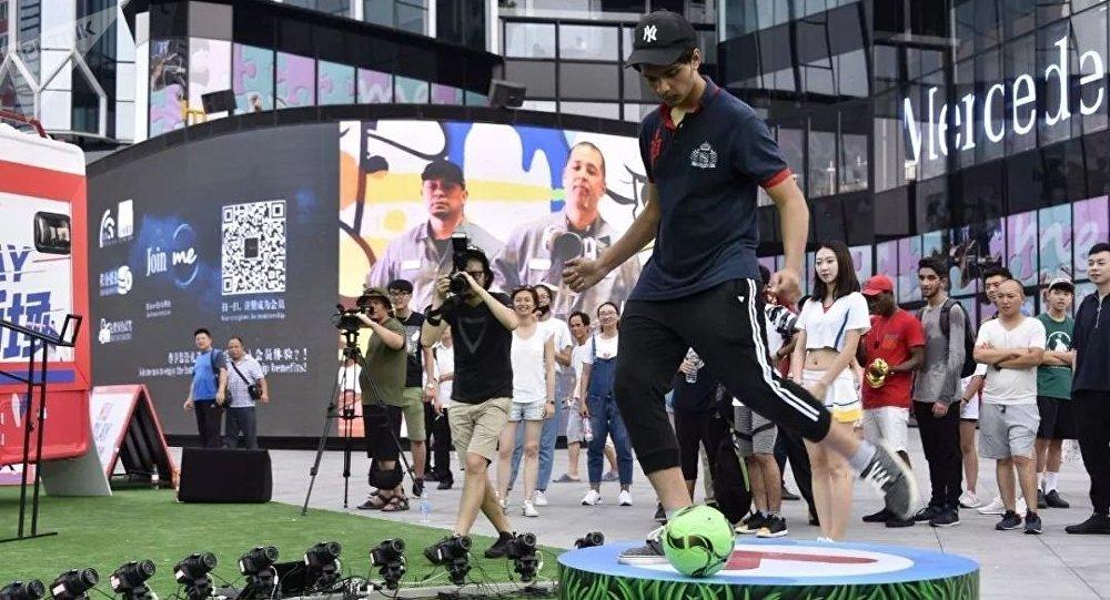 中國的足球熱:市場營銷過程亦或是現實的利益?