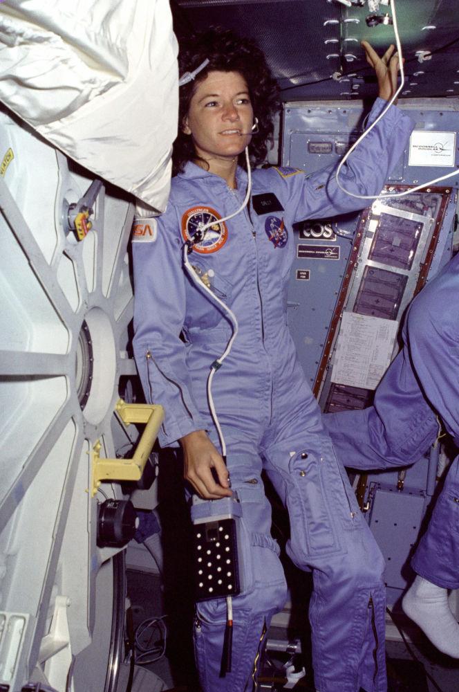 美国宇航员,第一位进入太空的美国女性莎莉∙莱德。