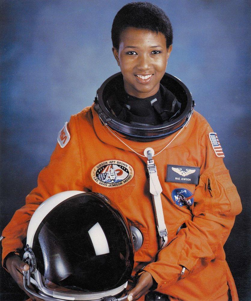 美國醫生、美國國家航空航天局前宇航員梅∙卡露∙吉米森。