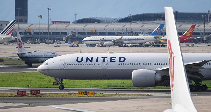 为何美国各大航空公司迎合中国民航总局的要求?