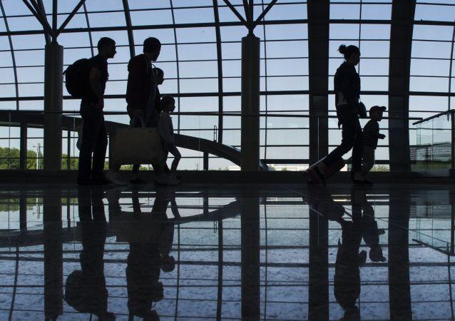莫斯科多莫杰多沃机场遭威胁 勒索者称要破坏导航系统