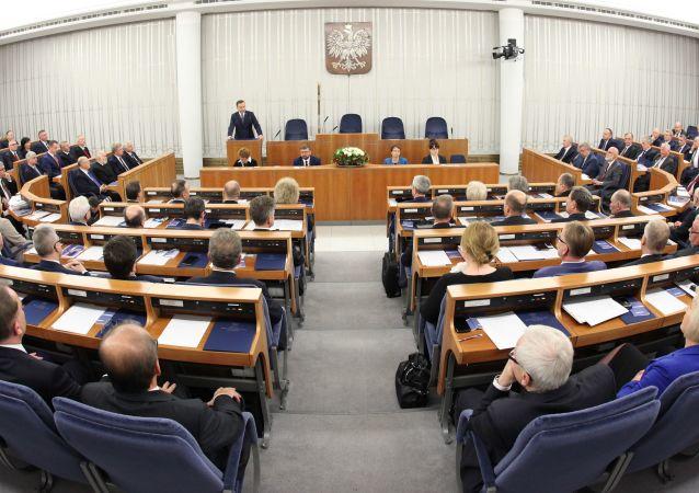 波蘭參議院否決總統關於修憲公投的提議