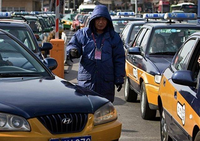 中國遊客打車誤付100倍車費 司機將錢退還