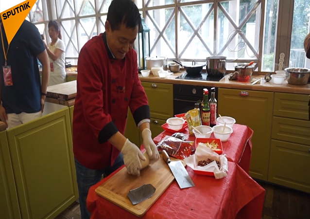 莫斯科开展中国传统饮食烹饪课堂