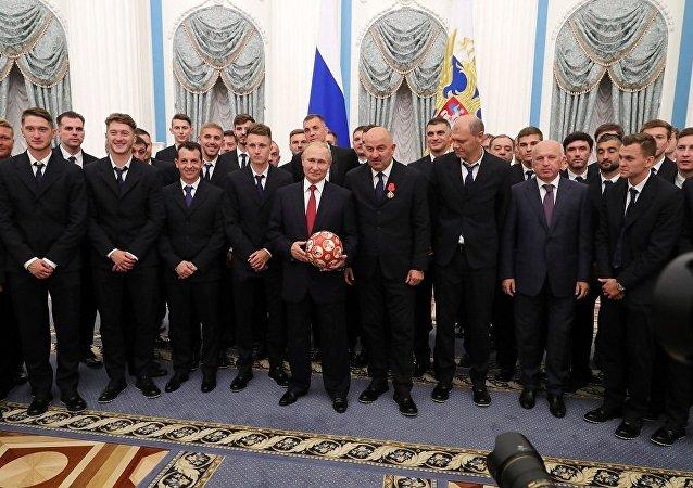 俄羅斯隊在克里姆林宮接受頒獎