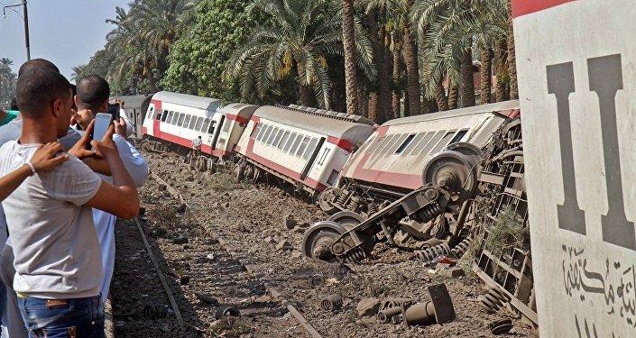 埃及卫生部:埃南部发生火车脱轨事故致6人受伤