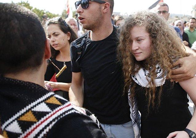 以色列释放一名殴打军官的巴勒斯坦少女