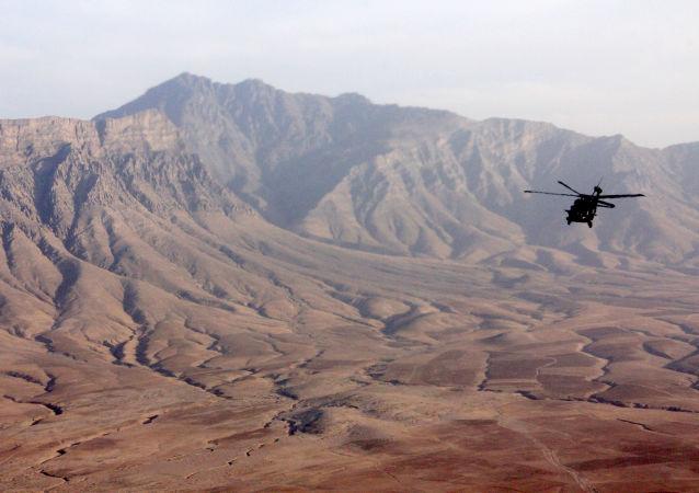 军用直升机在阿富汗坠毁 有人员伤亡