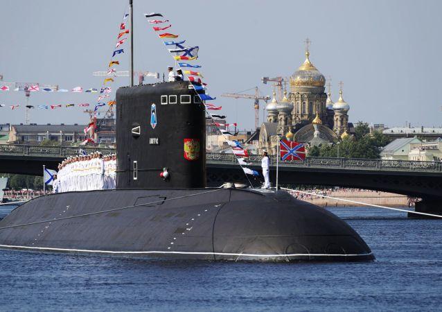 俄罗斯海军节主阅兵式在圣彼得堡和喀琅施塔得港举行