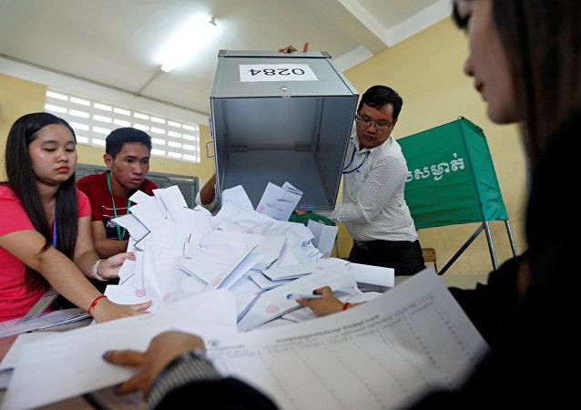 柬埔寨選舉