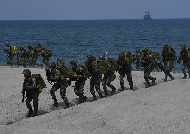 Philippine marines take position
