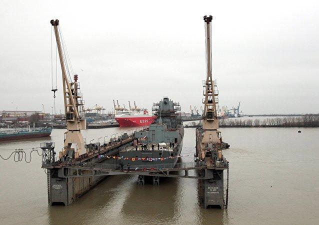 """俄罗斯""""卡萨托诺夫舰队海军上将""""号护卫舰"""