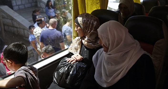 俄国防部:约230名难民8月3日从黎巴嫩返回叙利亚