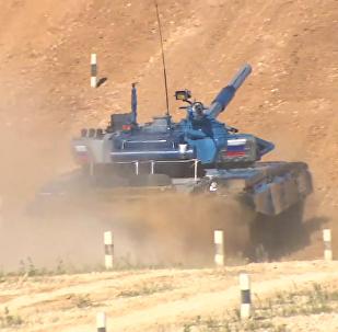 2018坦克两项比赛在俄阿拉比诺训练场开赛