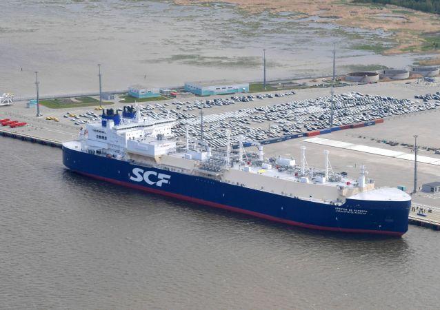 克里斯多福·德·馬熱里號油破冰天然氣運輸船