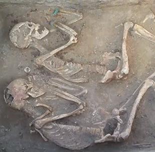 """哈萨克斯坦考古现史前""""罗密欧与朱丽叶"""""""